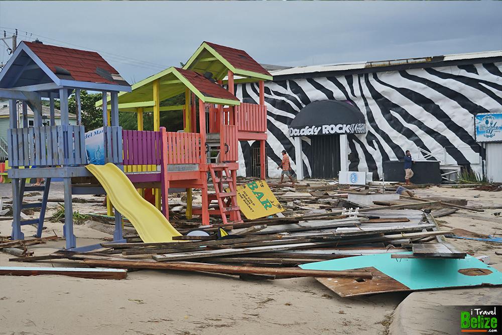 surviving-hurricane-earl-03