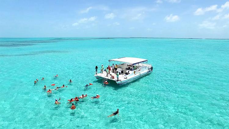 Island Dream Cocktail on board Island Dream's Yolo